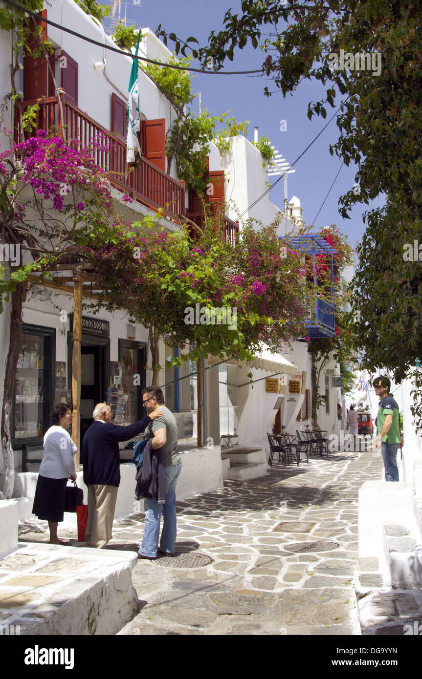 The shops and boutiques of Hora on the Greek Island of Mykonos, Greece. - Stock Image