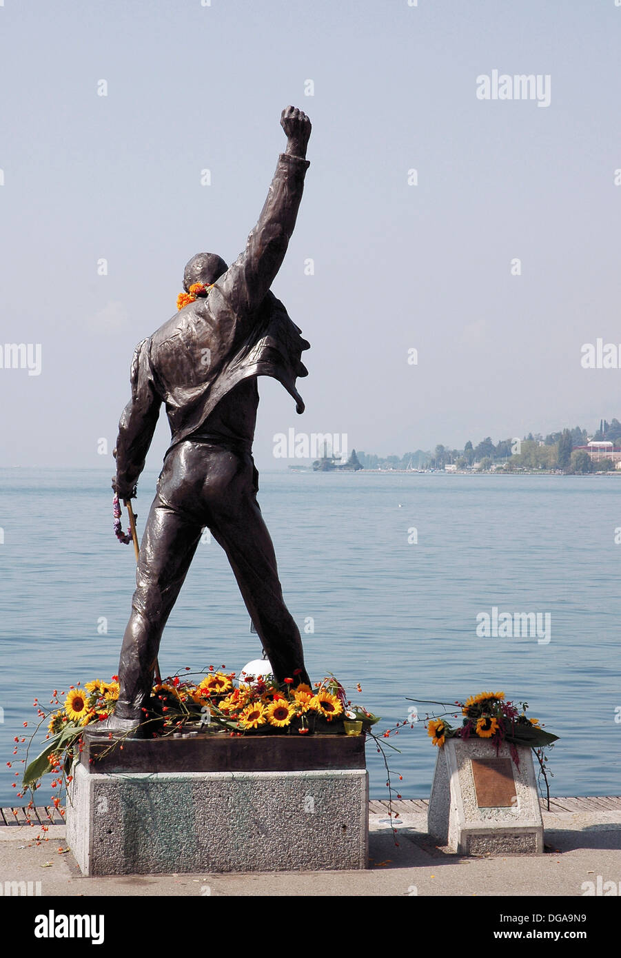 a statue of famous musician freddie mercury in montreux where the