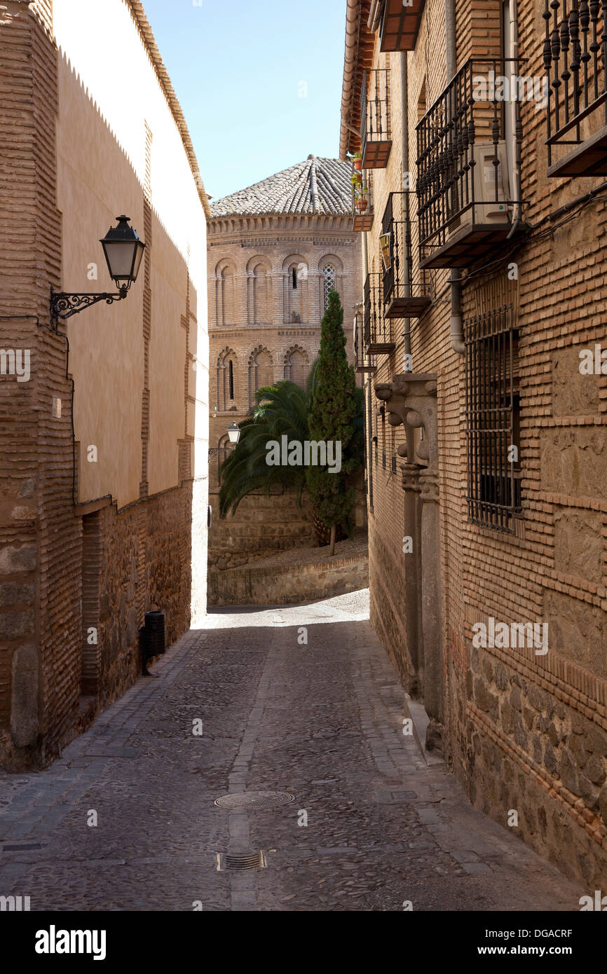 Small alley in Toledo, Spain - Stock Image