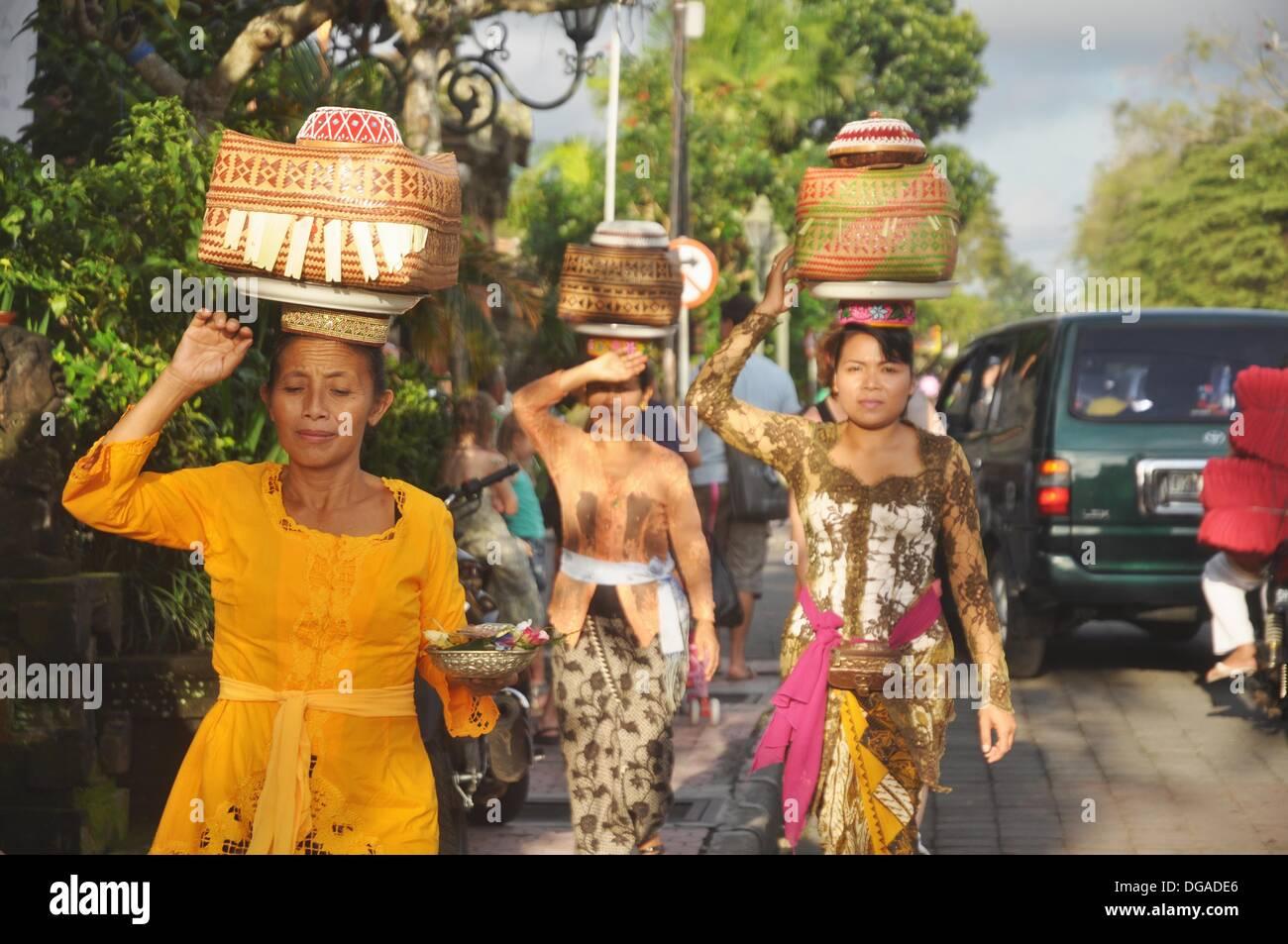 Ubud Bali Indonesia Women In Traditional Dress Carrying
