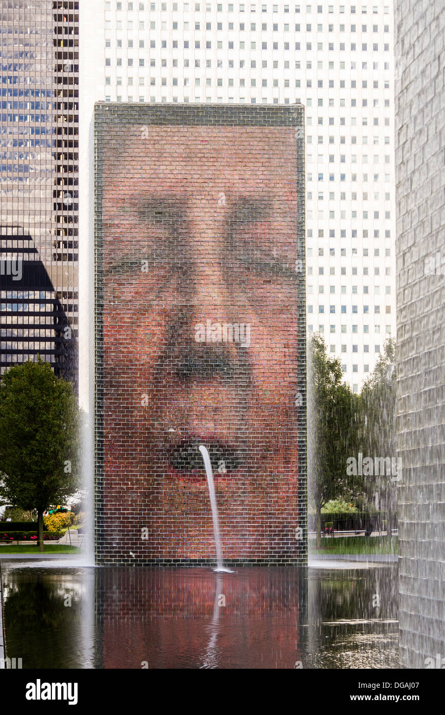 Face display on Crown Fountain, Millennium Park, Chicago, USA - Stock Image