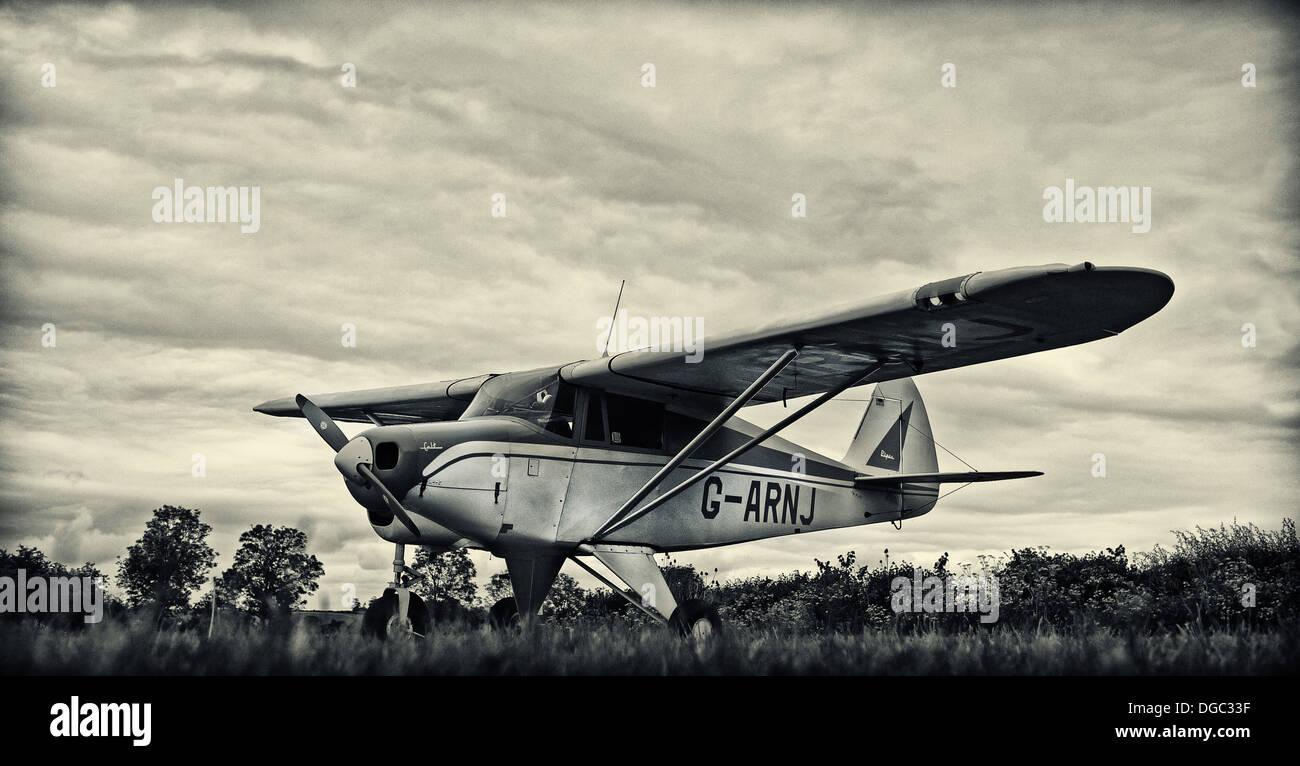 Piper Tri-pacer Stock Photo: 61731475 - Alamy