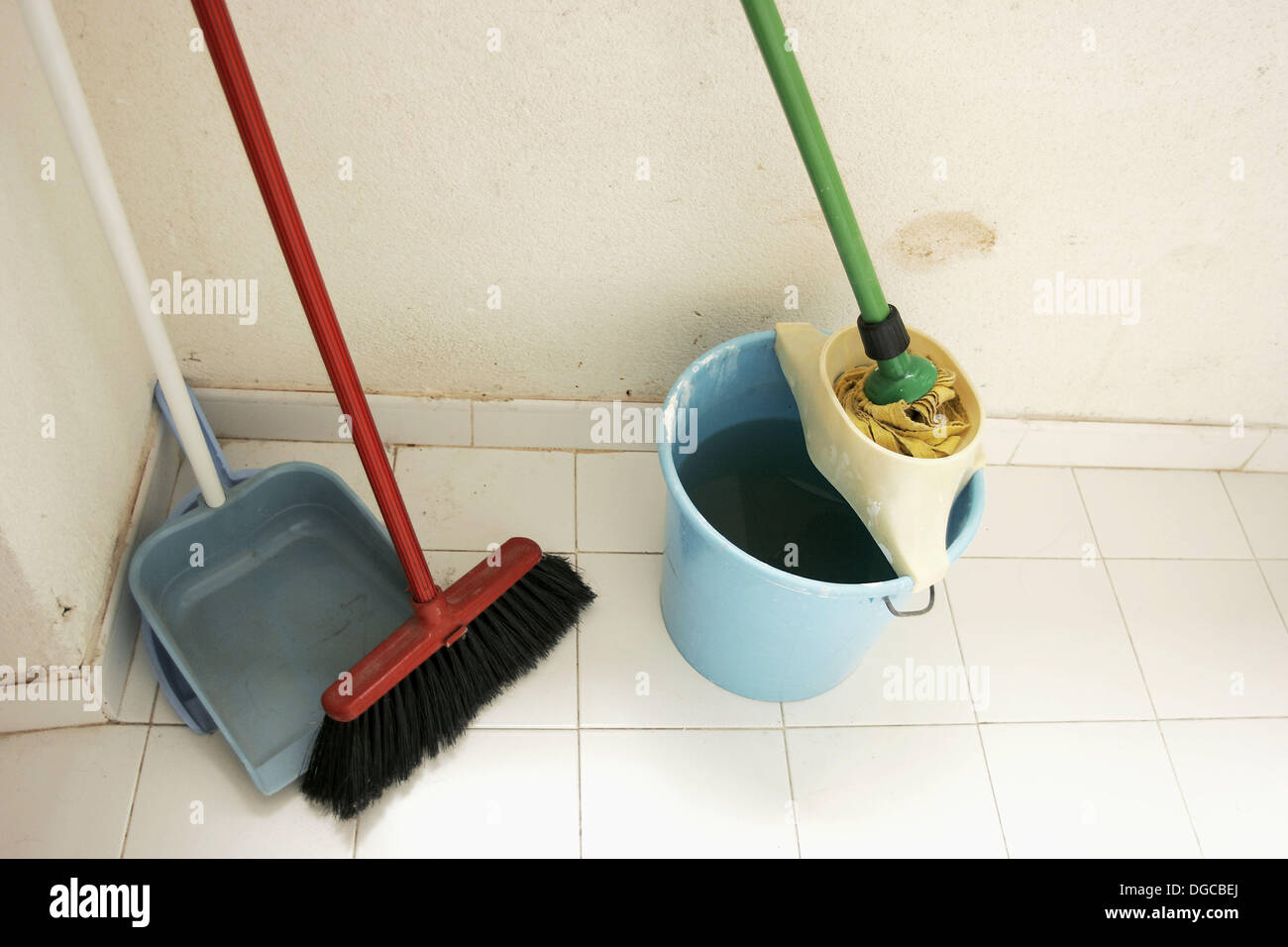 Latest Picture Of Mop And Broom | Decor & Design Ideas in HD