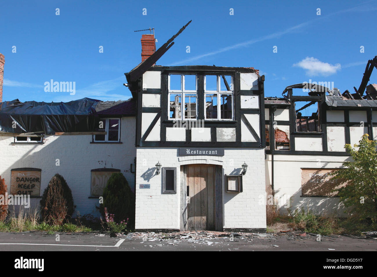 The Dymock Arms in Penley near Wrexham which was gutted by a fire set by arsonists - Stock Image