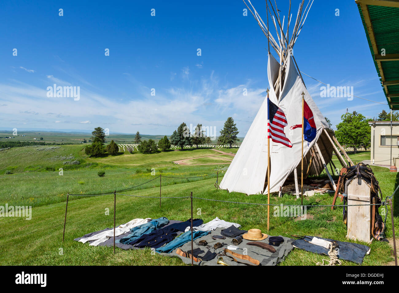 Soldier's kit and Indian Tipi outside the Visitor Center, Little Bighorn Battlefield National Monument, Montana, USA - Stock Image