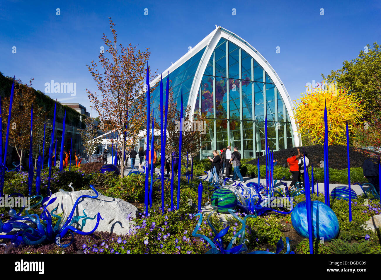 chihuly garden and glass museum showcasing the studio glass of dale chihuly seattle - Chihuly Garden And Glass Seattle