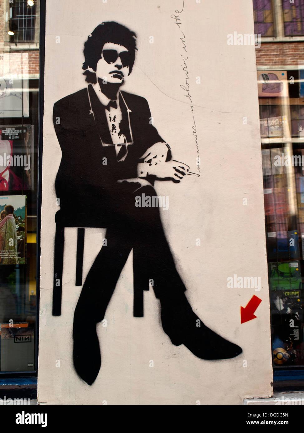 Musician wall graffiti in black - Stock Image