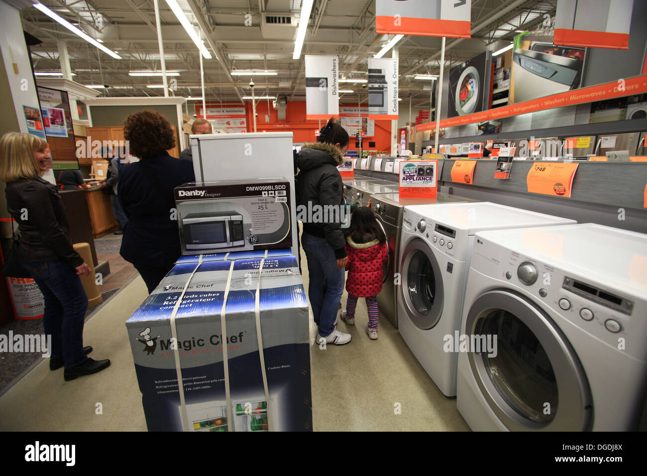 Home Depot Store Warehouse Stock Photos Trailer Wiring Electric Washing Machines And Dryers For Sale In The Kitchener Ontario