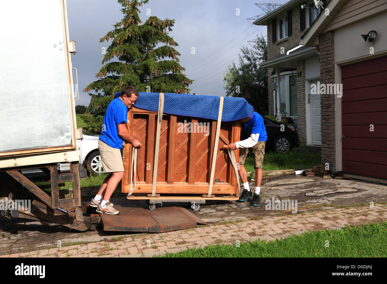 Moving A Piano High Resolution Stock Photography and Images - Alamy