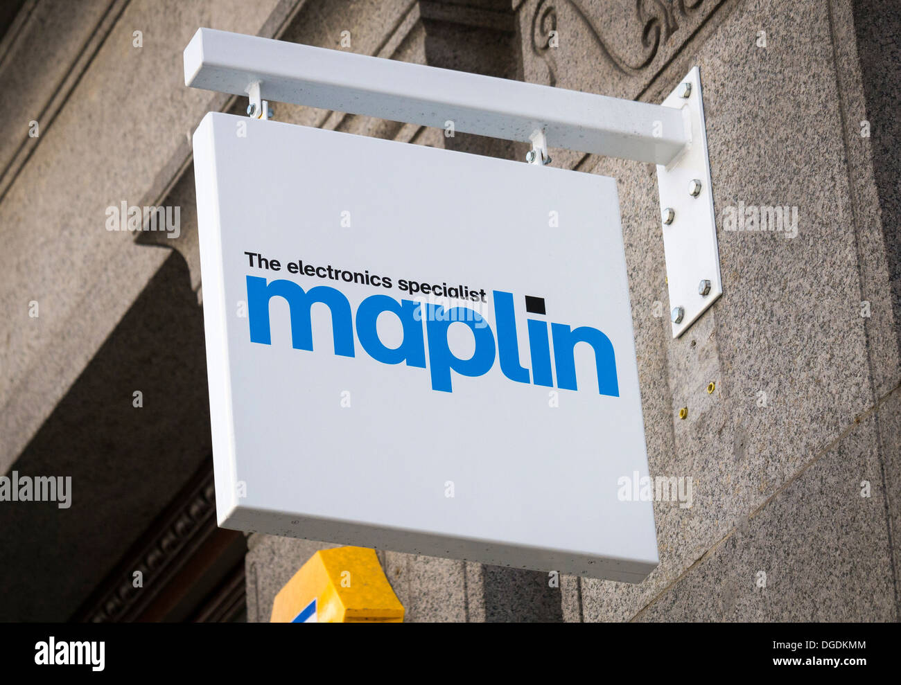Maplin Electronic Shop Sign. - Stock Image