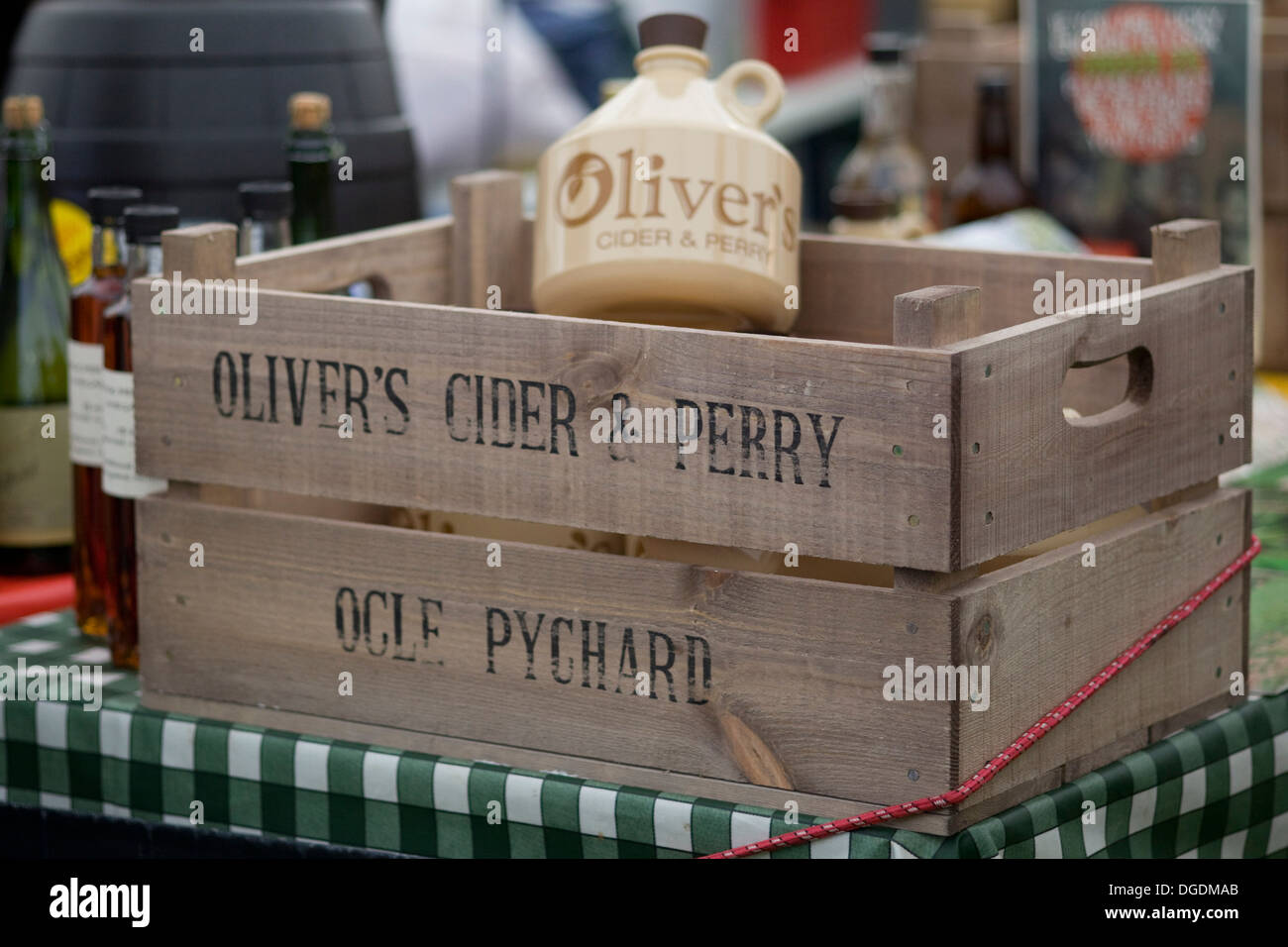 Wooden Create with Olivers Cider and Perry Flagon Stock Photo