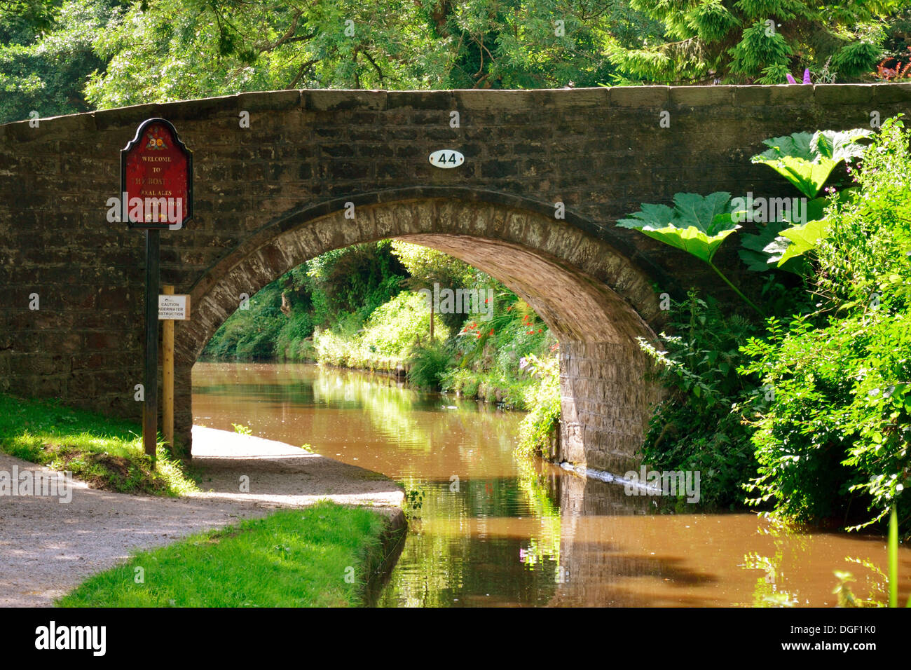 Bridge over the Caldon Canal at Cheddleton - Stock Image