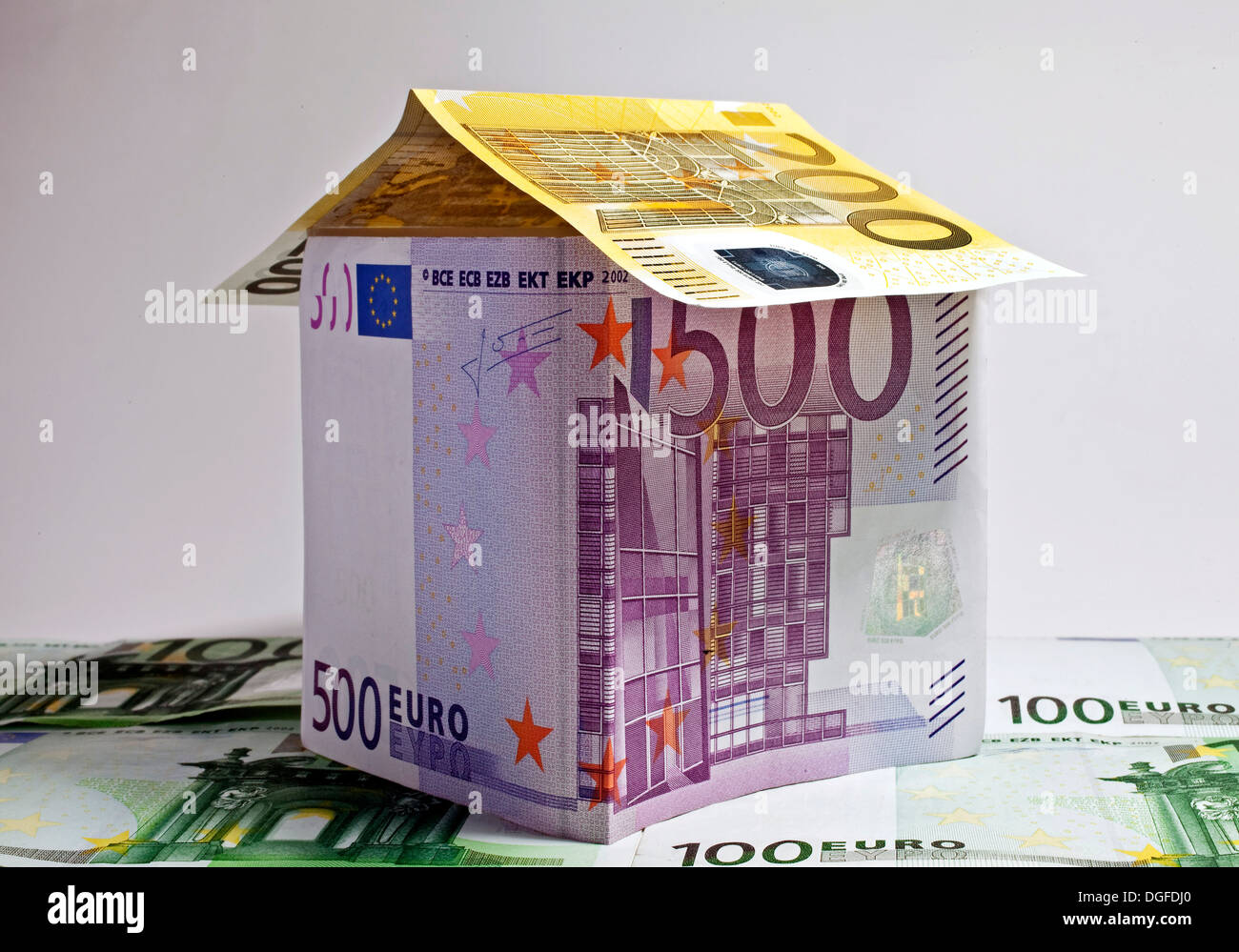 House made of euro banknotes, symbolic image for construction financing, Germany Stock Photo