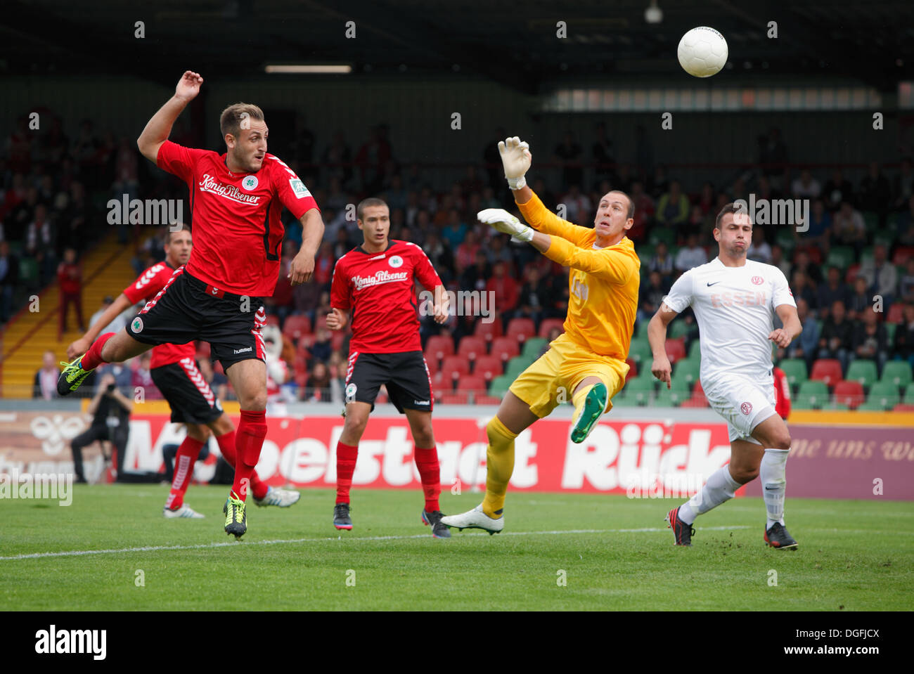 sports, football, Regional League West, 2013/2014, Rot Weiss Oberhausen versus Rot Weiss Essen 2:0, Stadium Niederrhein in Oberhausen, scene of the match immitent before the 1:0 goal per penalty for handball caused by Langlitz and converted by Bauder, f.l - Stock Image