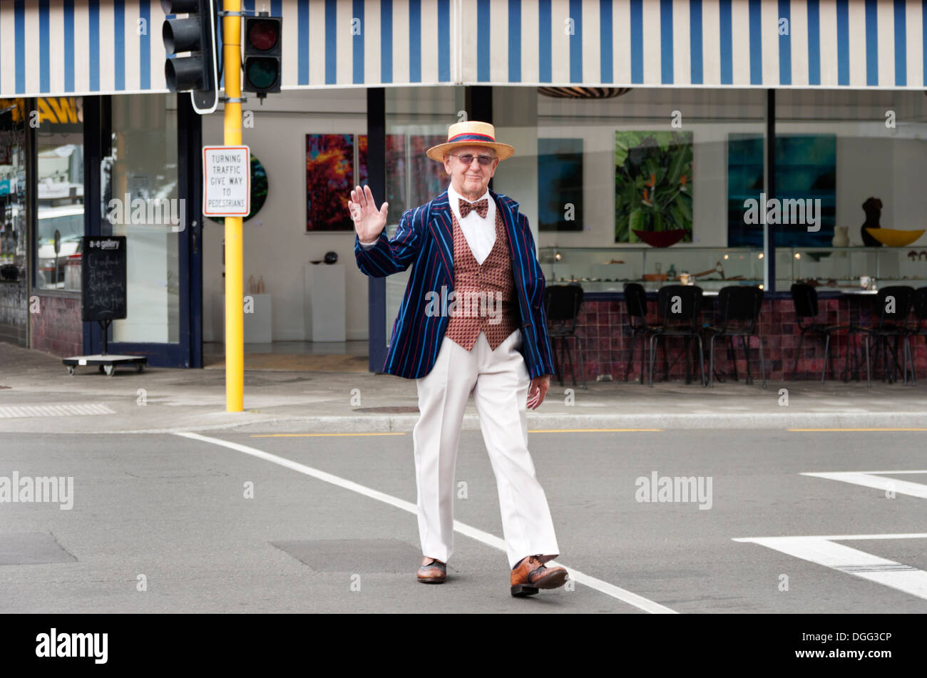 Man dressed in 1930s style clothing in the art deco city of Napier, New Zealand. - Stock Image