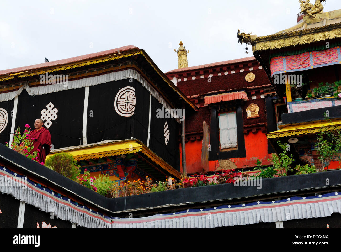 Roofs with golden turrets, main entrance of Jokhang Temple, Lhasa, Tibet, China, Asia Stock Photo