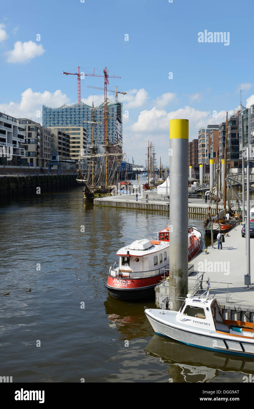 Ships are moored in the Tall Ship Harbour, Traditionsschiffhafen harbour, modern residential and office buildings, Elbe - Stock Image
