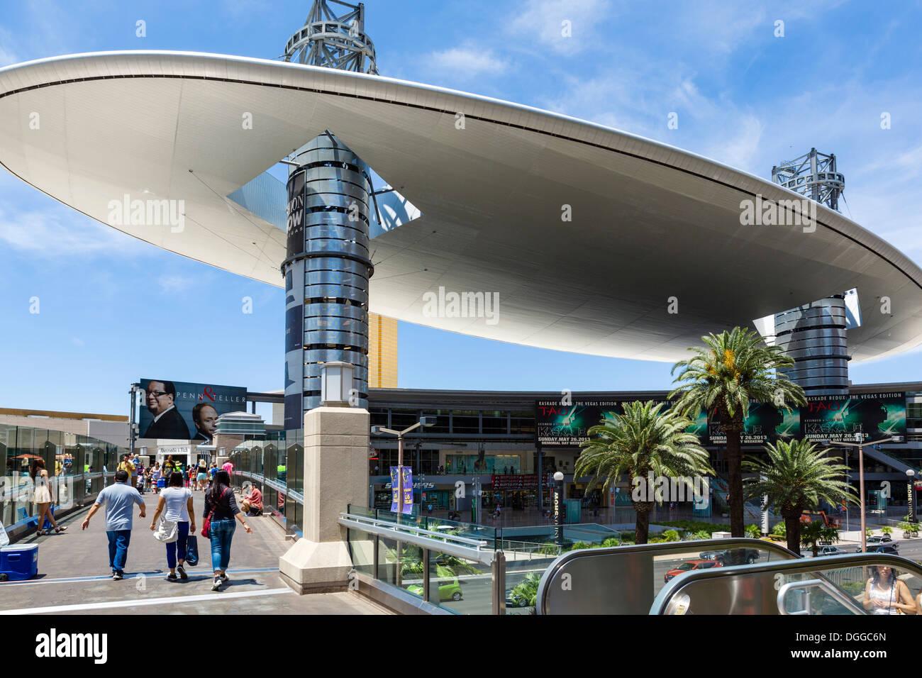 The Cloud at the Fashion Show Mall, Las Vegas Boulevard South (The Strip), Las Vegas, Nevada, USA - Stock Image
