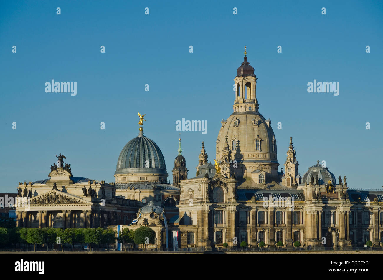 Part of the 'Bruehlsche Terasse', the 'Akademie der Kuenste' and the 'Frauenkirche', seen across the river Elbe from the bridge - Stock Image
