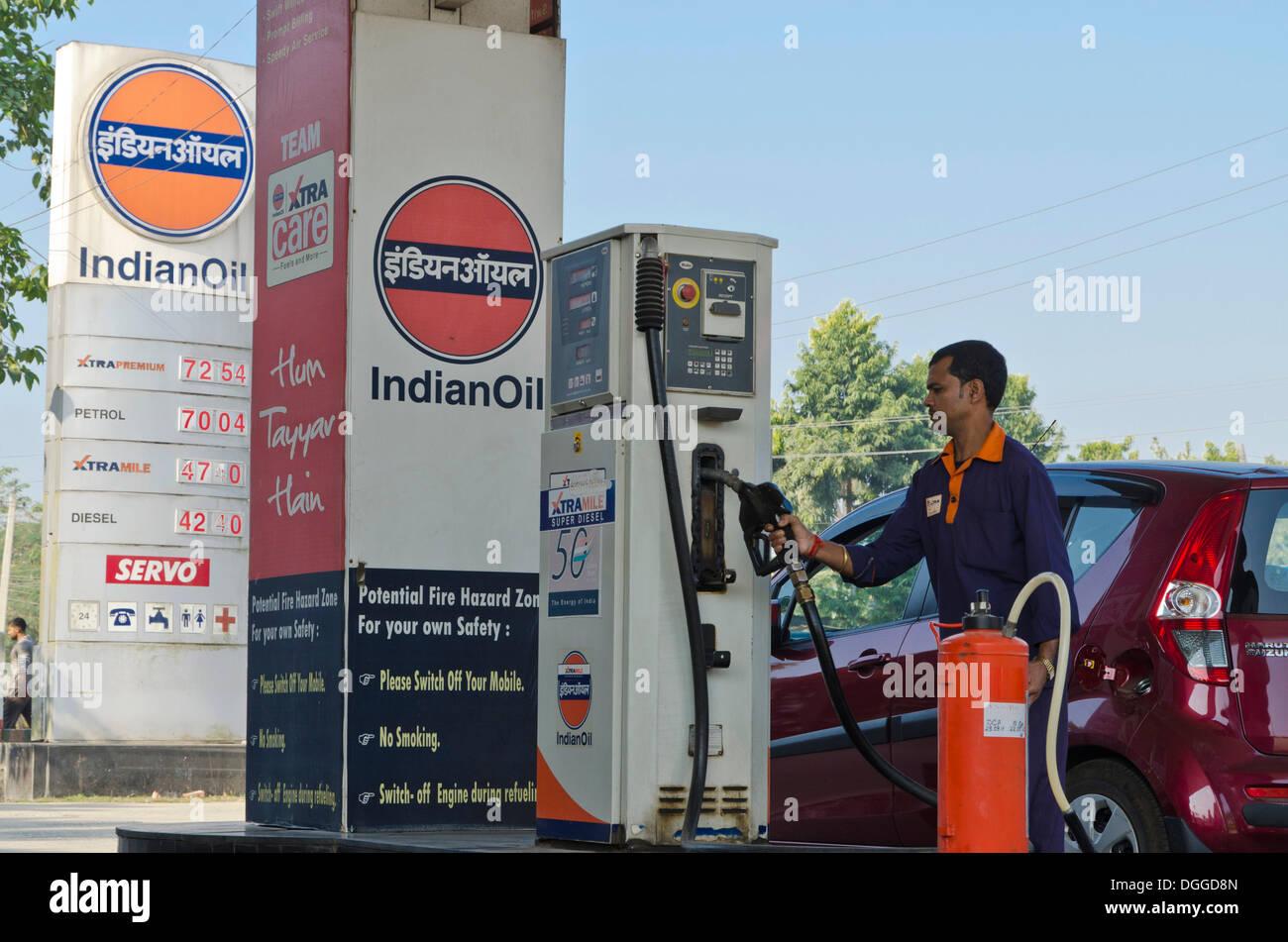 gas station attendant stock photos gas station attendant stock rh alamy com