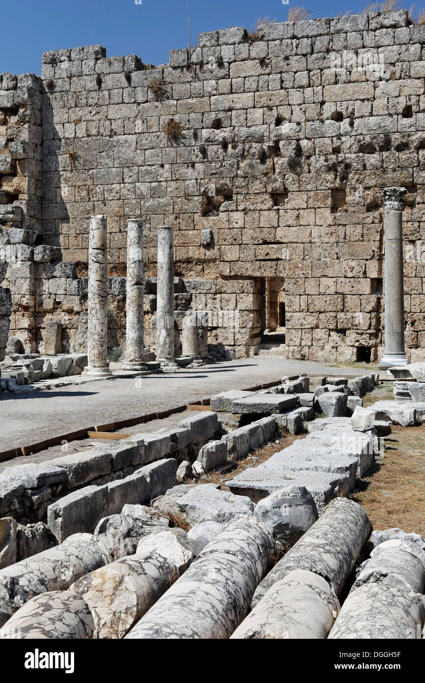 Entrance to the former baths, nymphaeum and spas in the excavation site in the ancient city of Perge, Aksu, Antalya - Stock Image