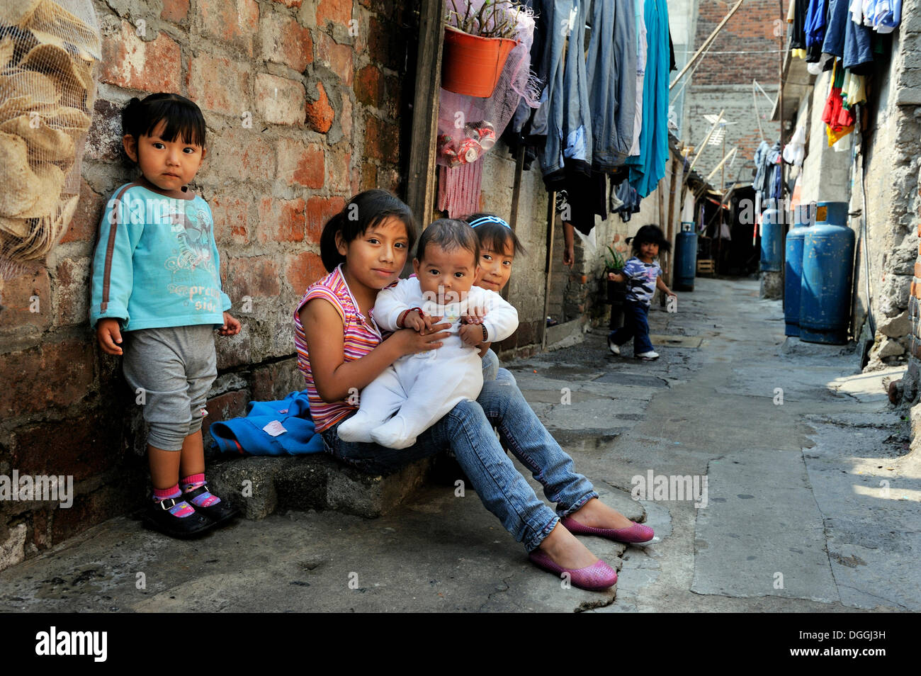 child labor in mexico Child labor and severe functioning difficulties and disability in mexican children  and adolescents 5-17 years of age villalobos a(1), de castro f(1), rojas r(1),.