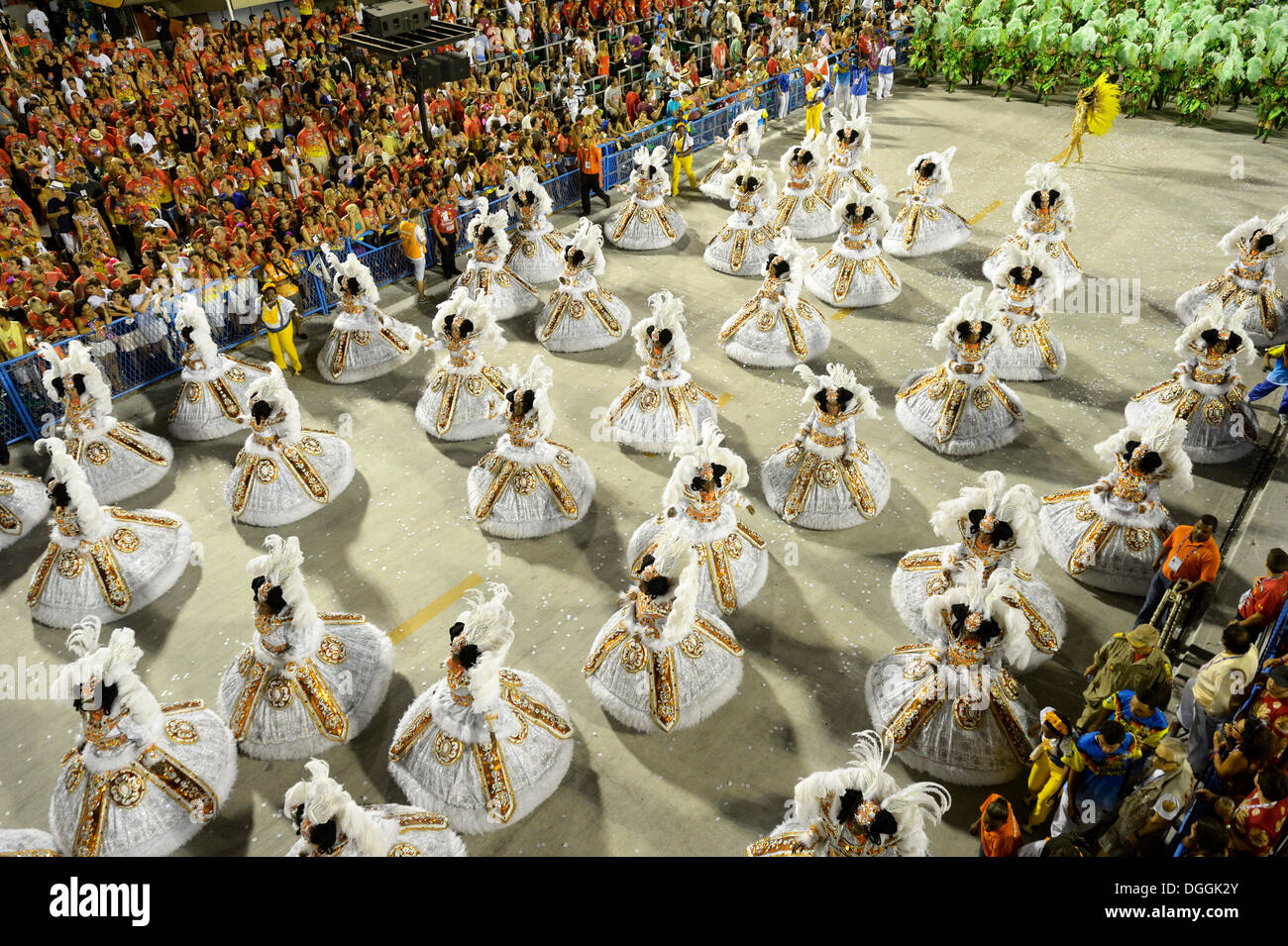 "Female dancers wearing wide skirts, Bahianas, parade of the samba school Unidos da Tijuca, themed ""Enchanted Germany"" Stock Photo"
