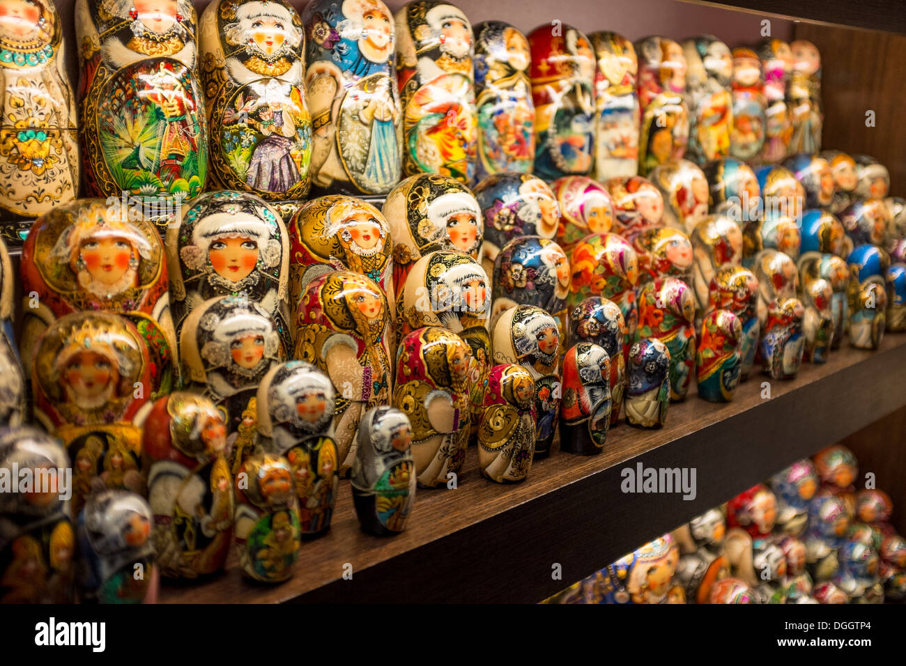 Russian matryoshka dolls on sale in a shop in St Petersburg - Stock Image a5a01311460d