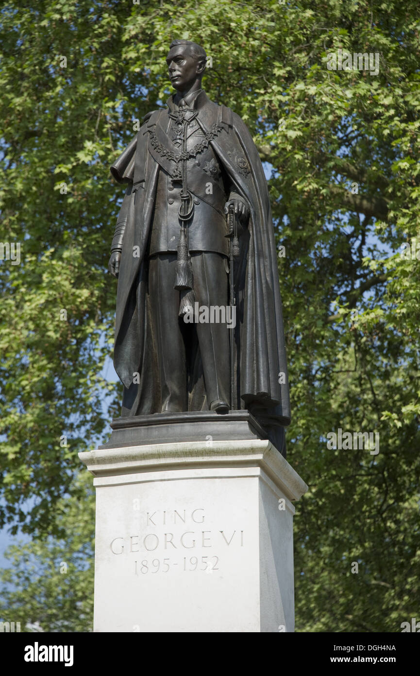 Memorial Statue Of King George VI In Garter Robes, Carlton Gardens, The  Mall, City Of Westminster, London, England, April