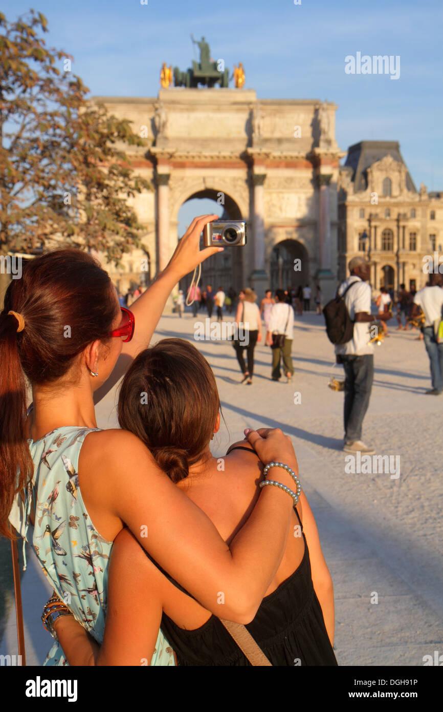 Paris France Europe French 1st arrondissement Place du Carrousel Arc de Triomphe du Carrousel Louvre Art Museum Musee du Louvre - Stock Image
