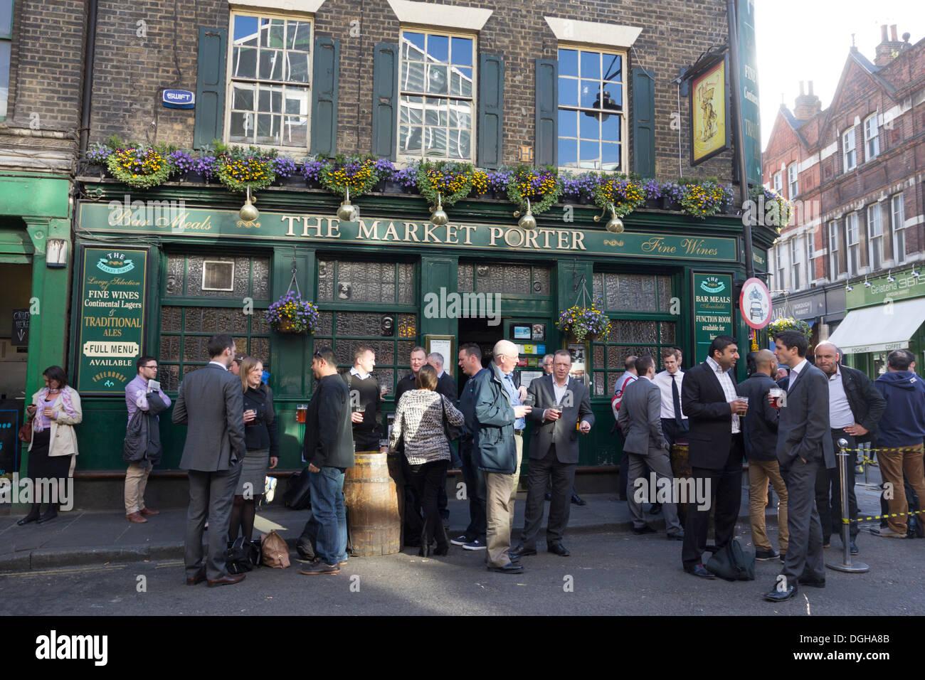 The Market Porter Pub - Borough Market - Southwark - London - Stock Image