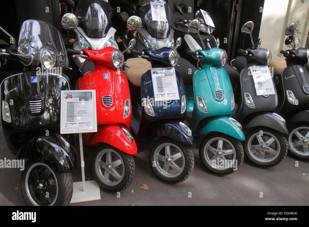 Paris France Europe French 4th arrondissement Boulevard de Sébastopol motor scooters new sale display Vespa - Stock Image