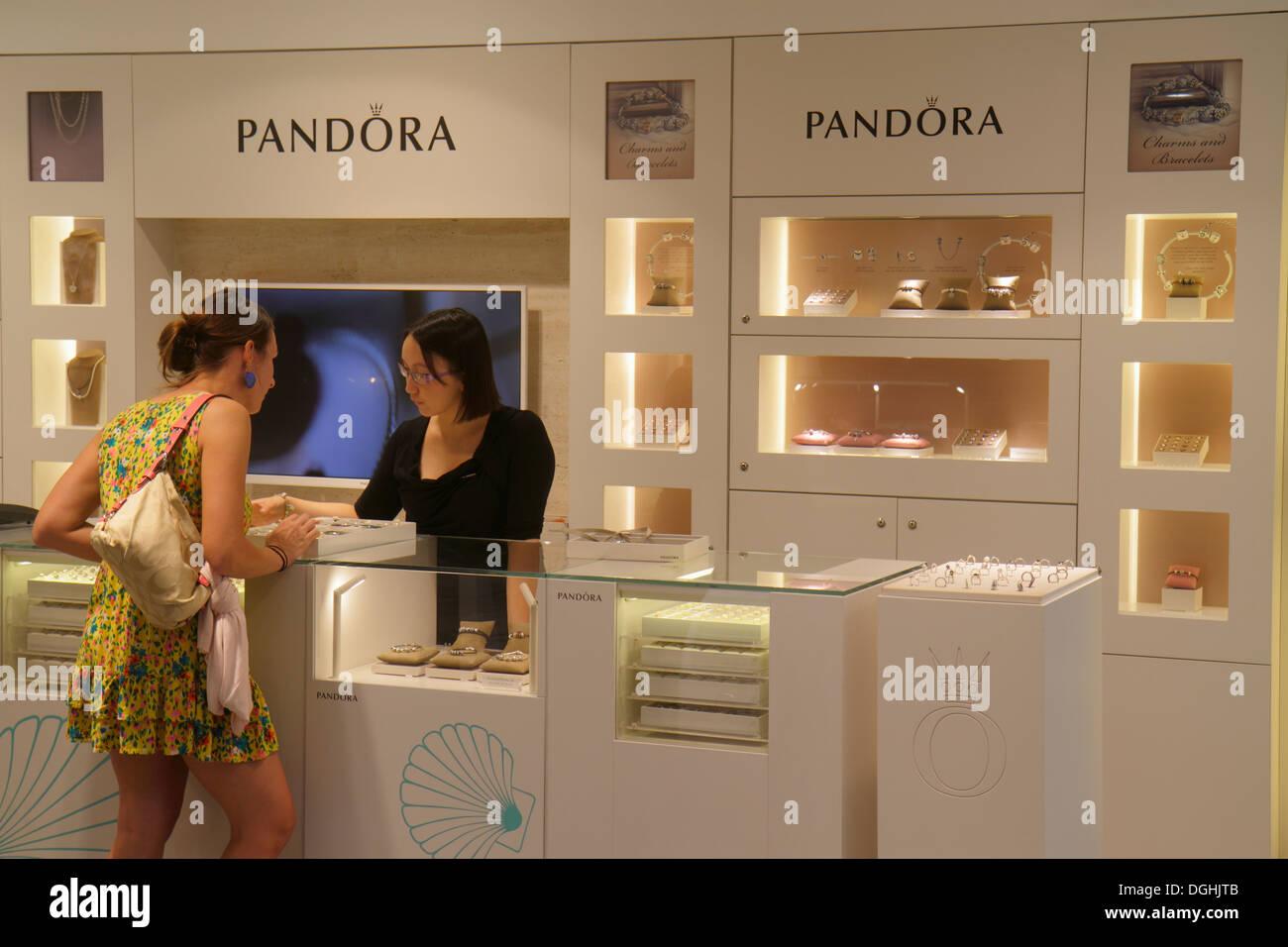 pandora shop paris france