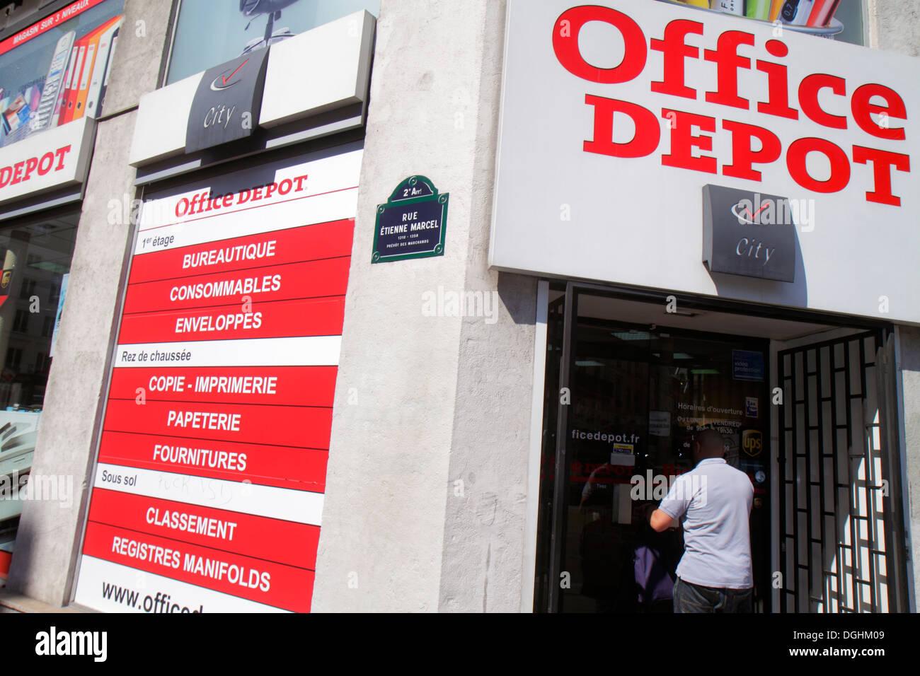 Paris France Europe French 2nd arrondissement Boulevard de Sébastopol Office Depot front entrance business supply store street s - Stock Image