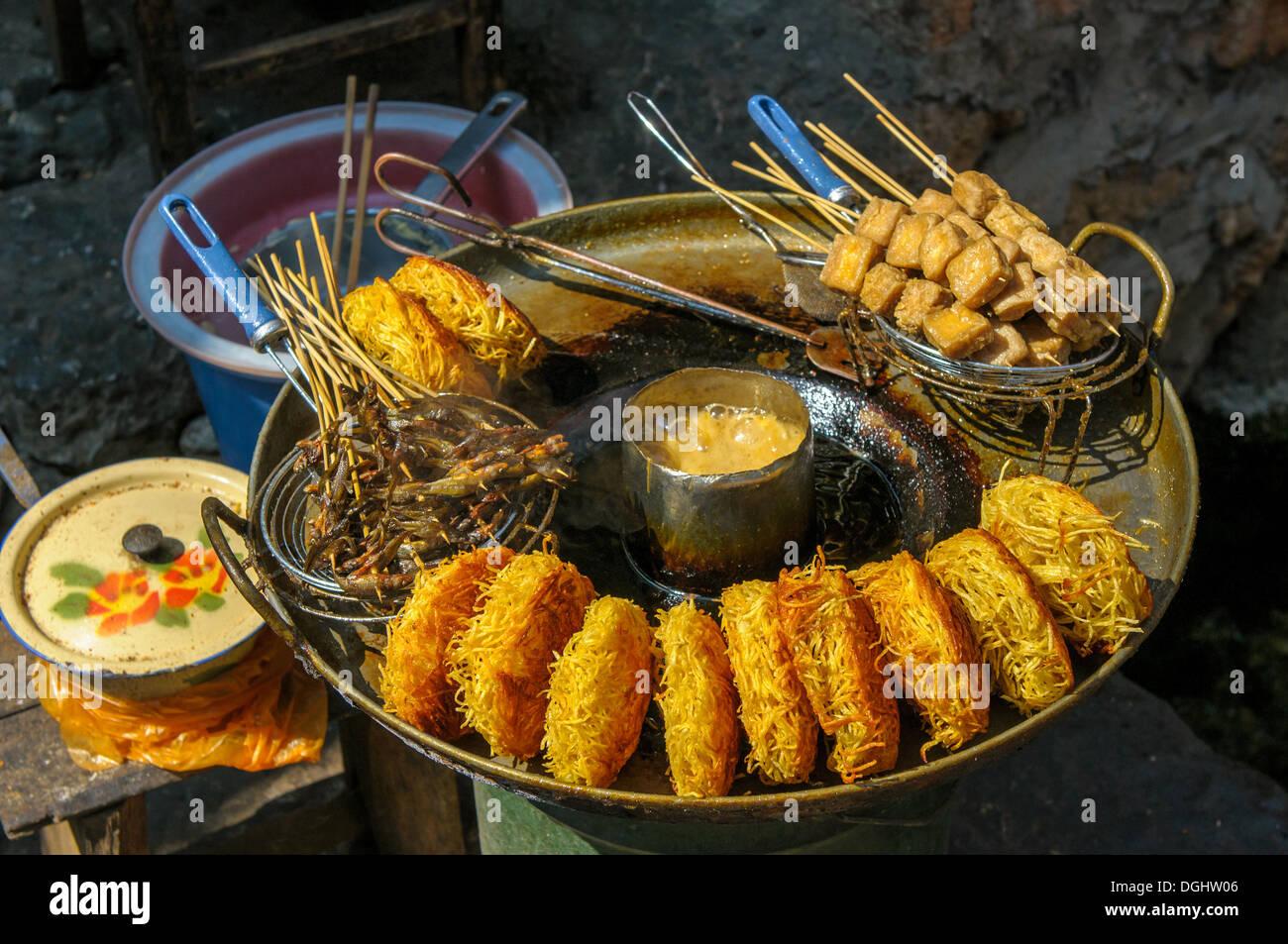 Street food in Lijiang, Yunnan, China - Stock Image