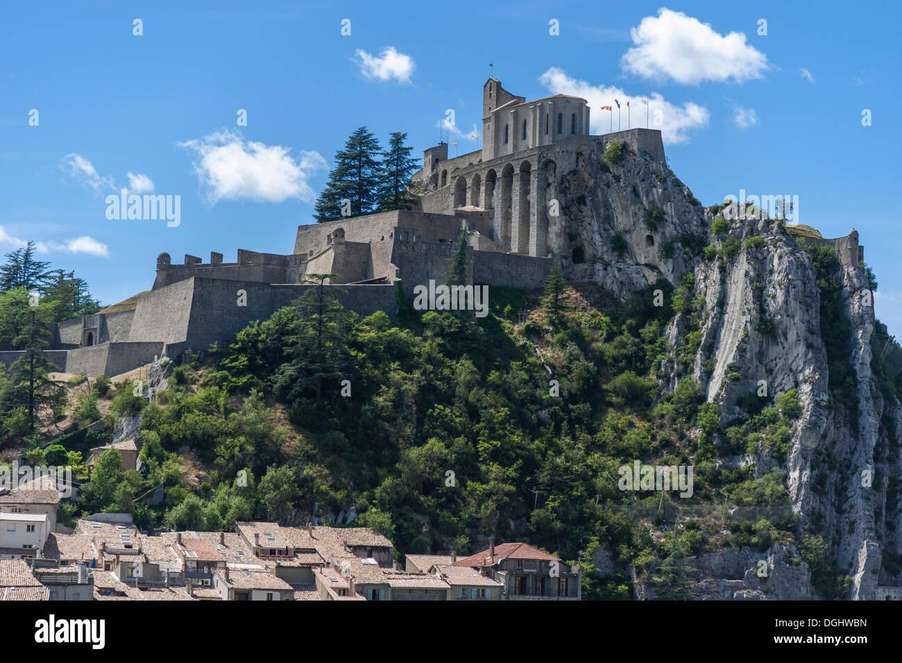 Citadel of Sisteron, Provence-Alpes-Côte d'Azur, France, Europe - Stock Image