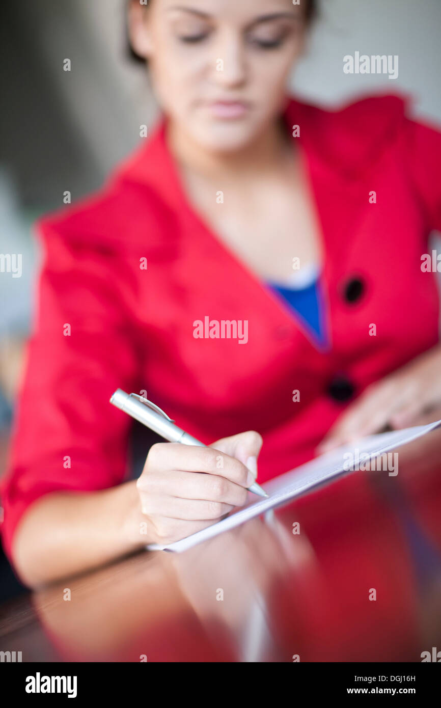 Woman writing letter - Stock Image