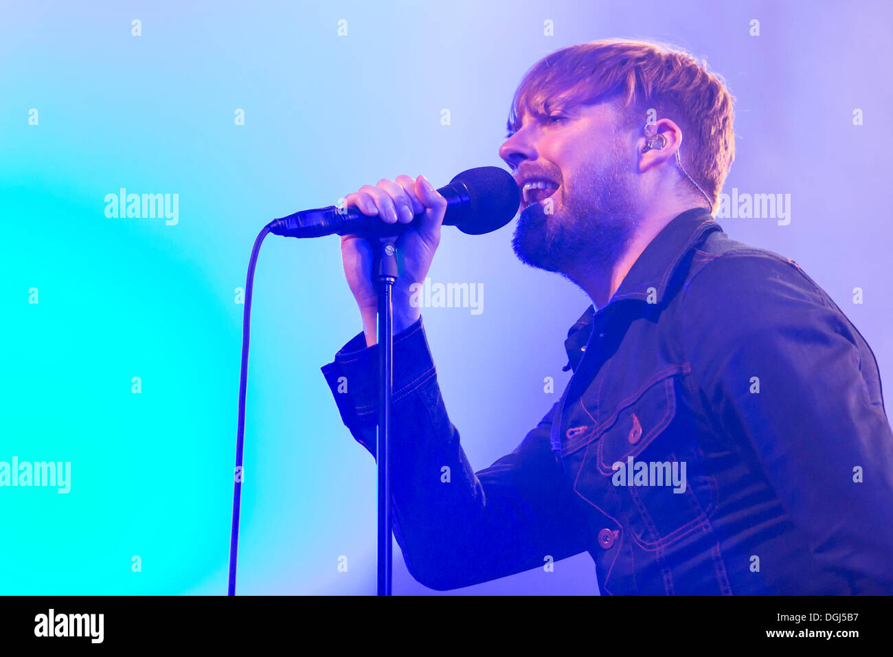 Ricky Wilson, lead singer of the British rock band Kaiser Chiefs singing live at the Luzernersaal concert hall of the Lucerne - Stock Image
