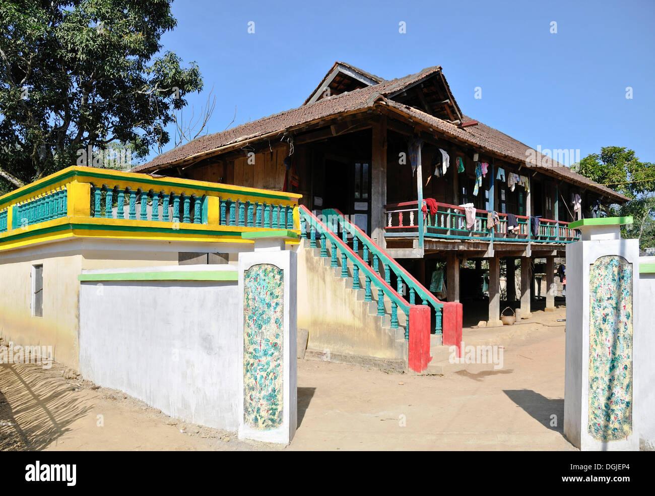 Typical house, ethnic minority, Mai Chau Valley, Vietnam, Asia - Stock Image