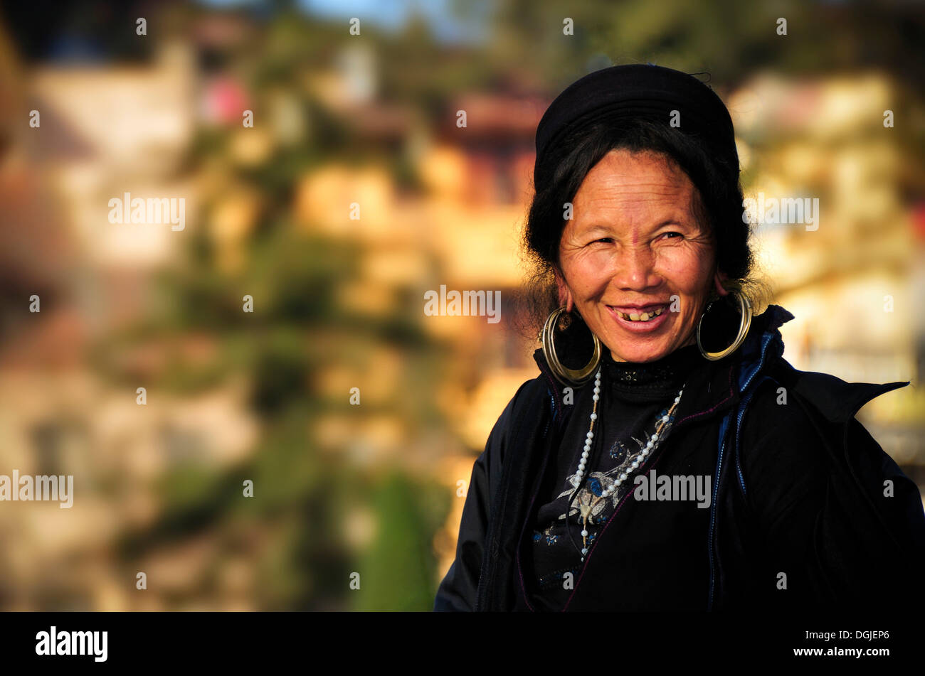 Woman from the Black Hmong ethnic minority group at the market of Sapa or Sa Pa, northern Vietnam, Vietnam, Asia - Stock Image