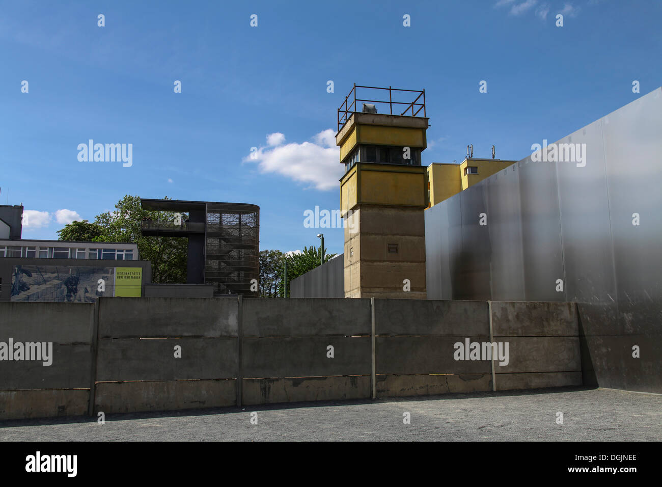 Berlin Wall Memorial, watchtower NVA border guards, border strip, death strip, Berlin - Stock Image