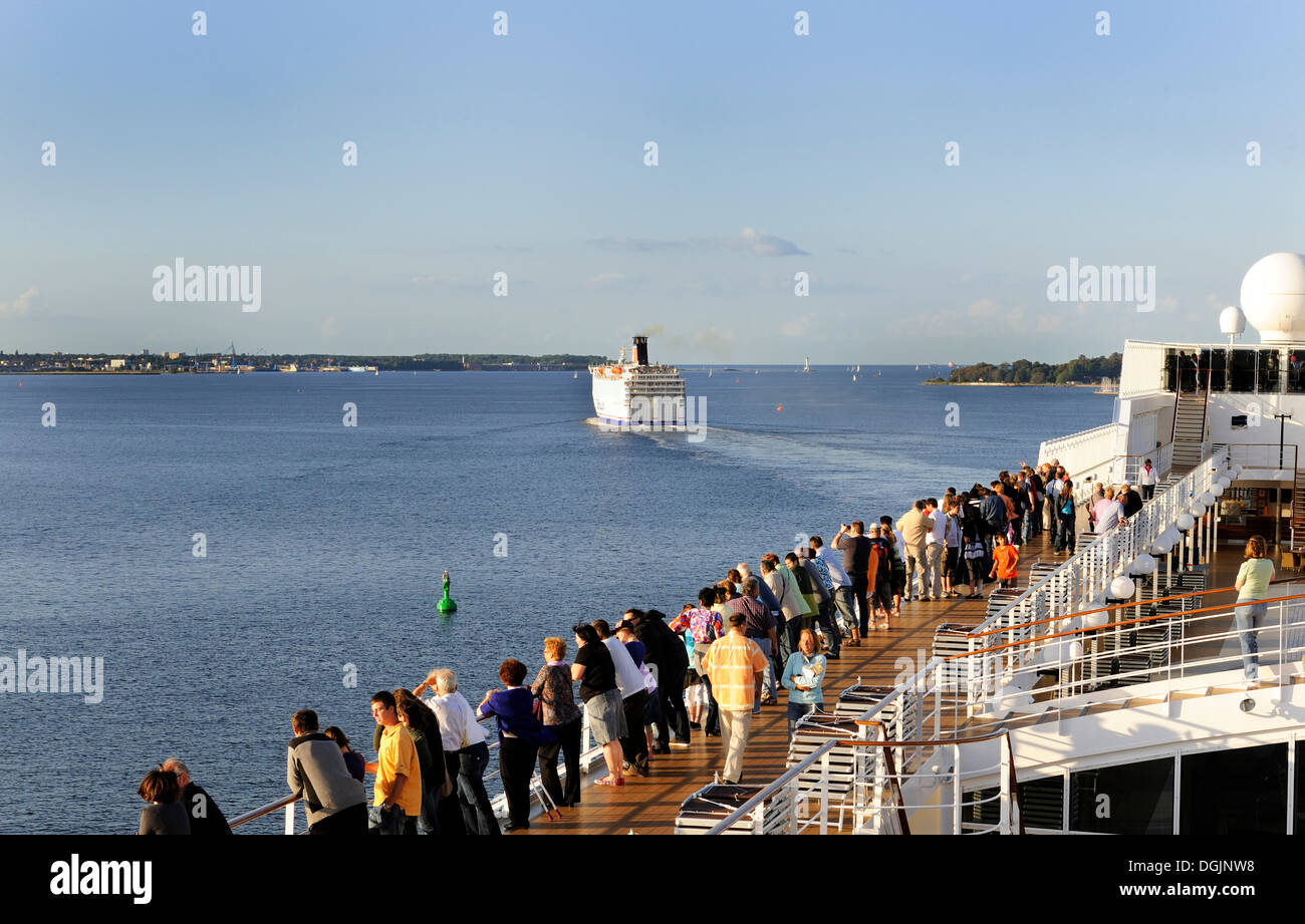 Two cruise ships departing from the port of Kiel, Schleswig-Holstein - Stock Image