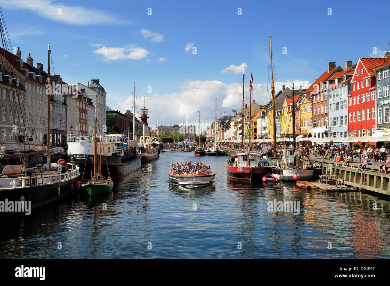Amusement centre, Nyhavn, Copenhagen, Denmark, Scandinavia, Northern Europe - Stock Image