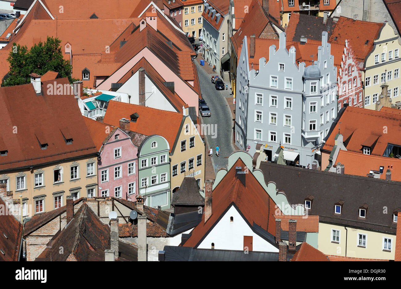 Houses and winding streets, historic town centre of Landshut, Lower Bavaria, Bavaria - Stock Image