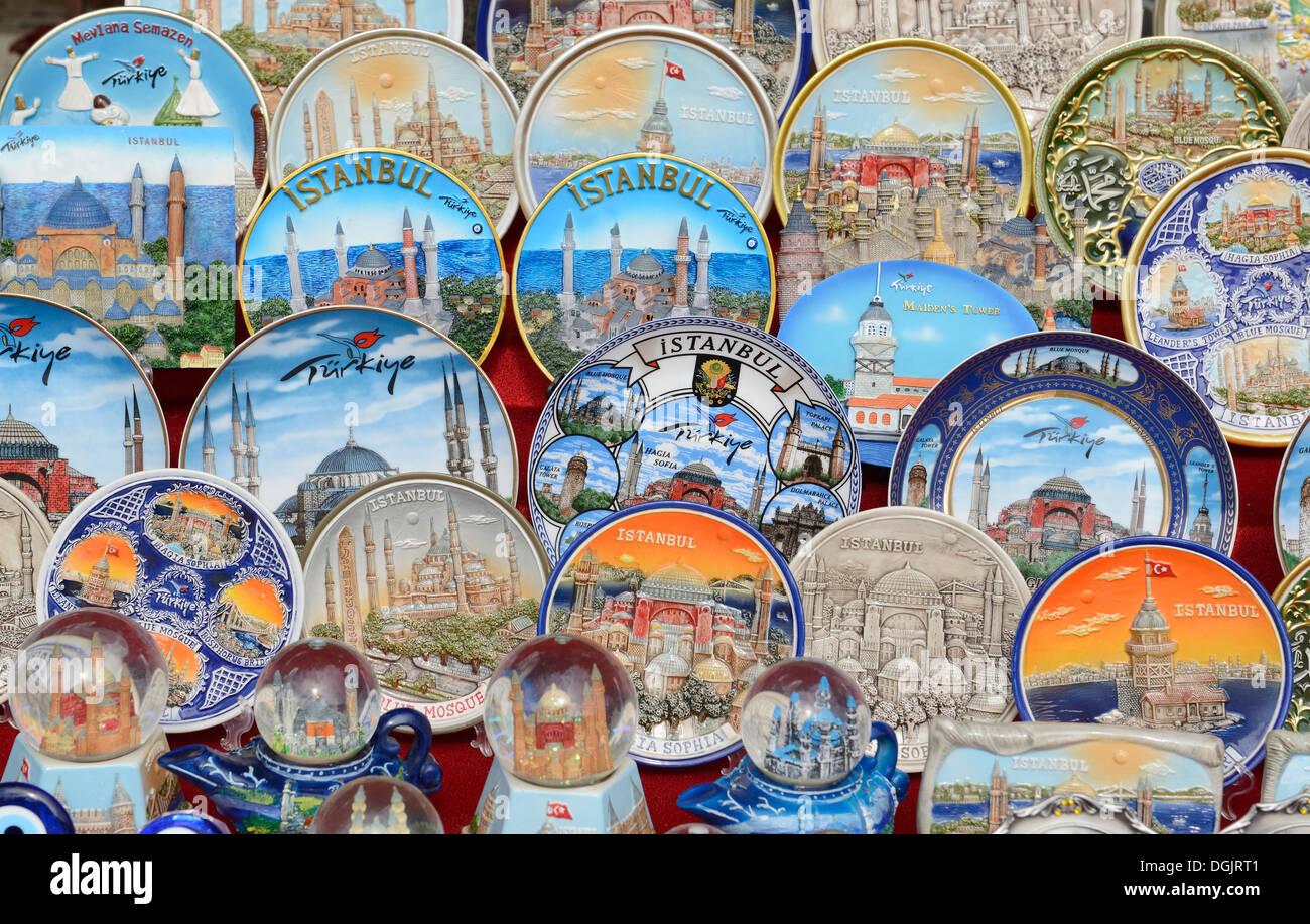 Painted Plates As Souvenirs Souvenir Stand Istanbul