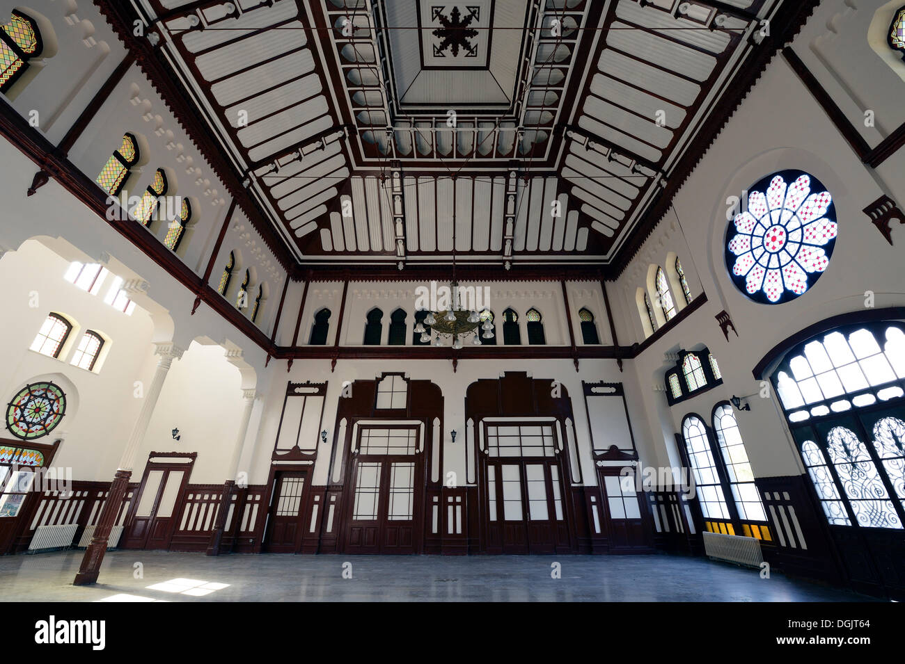 Concourse of Sirkeci Station, the former terminus of the Orient Express, Istanbul, European side, Istanbul Province, Turkey - Stock Image