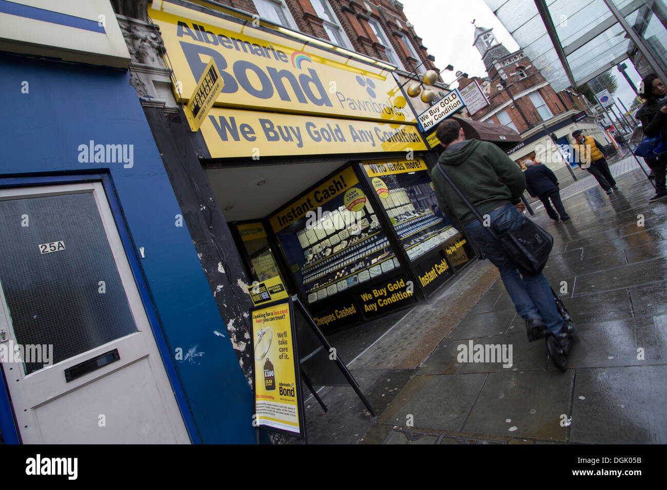 Albemarle Bond Shepherds Bush London, Albemarle Bond are Britain's biggest pawnbrokers and jewellery retailer - Stock Image