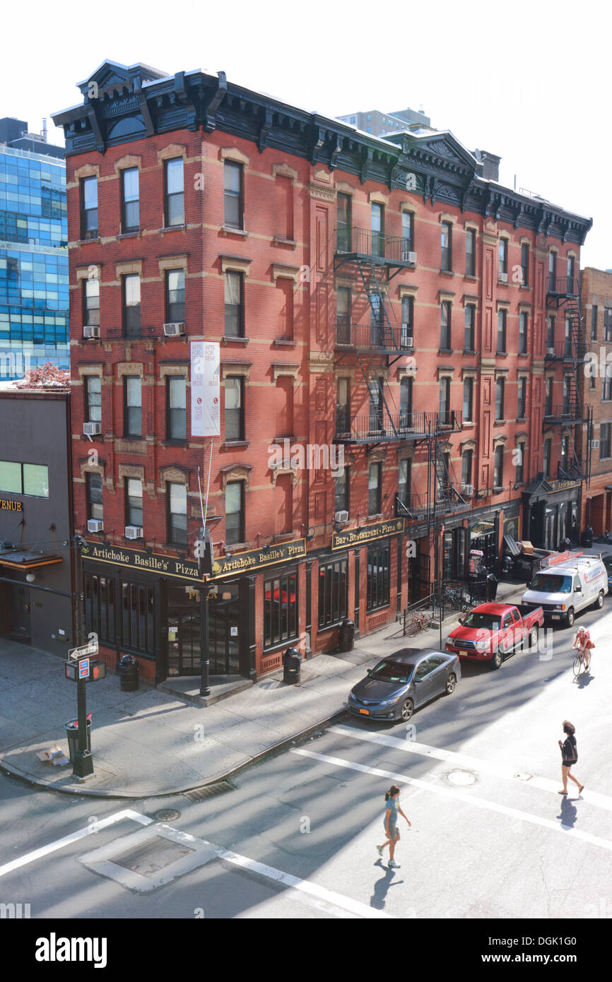 Brick building on Manhattan's West Side, New York, USA. - Stock Image