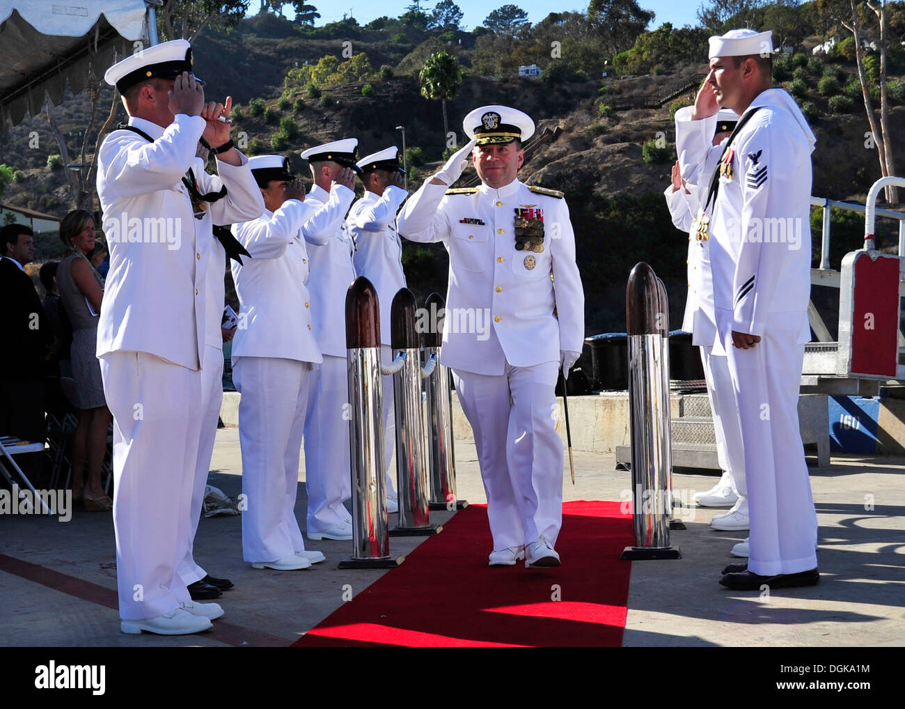 Vice Adm. Kenneth E. Floyd, commander of U.S. 3rd Fleet, is rendered honors as he departs the Naval Mine and Anti-Submarine Warfare Command change of command ceremony. Floyd served as the presiding officer as Rear Adm. William Merz assumed command from Re - Stock Image
