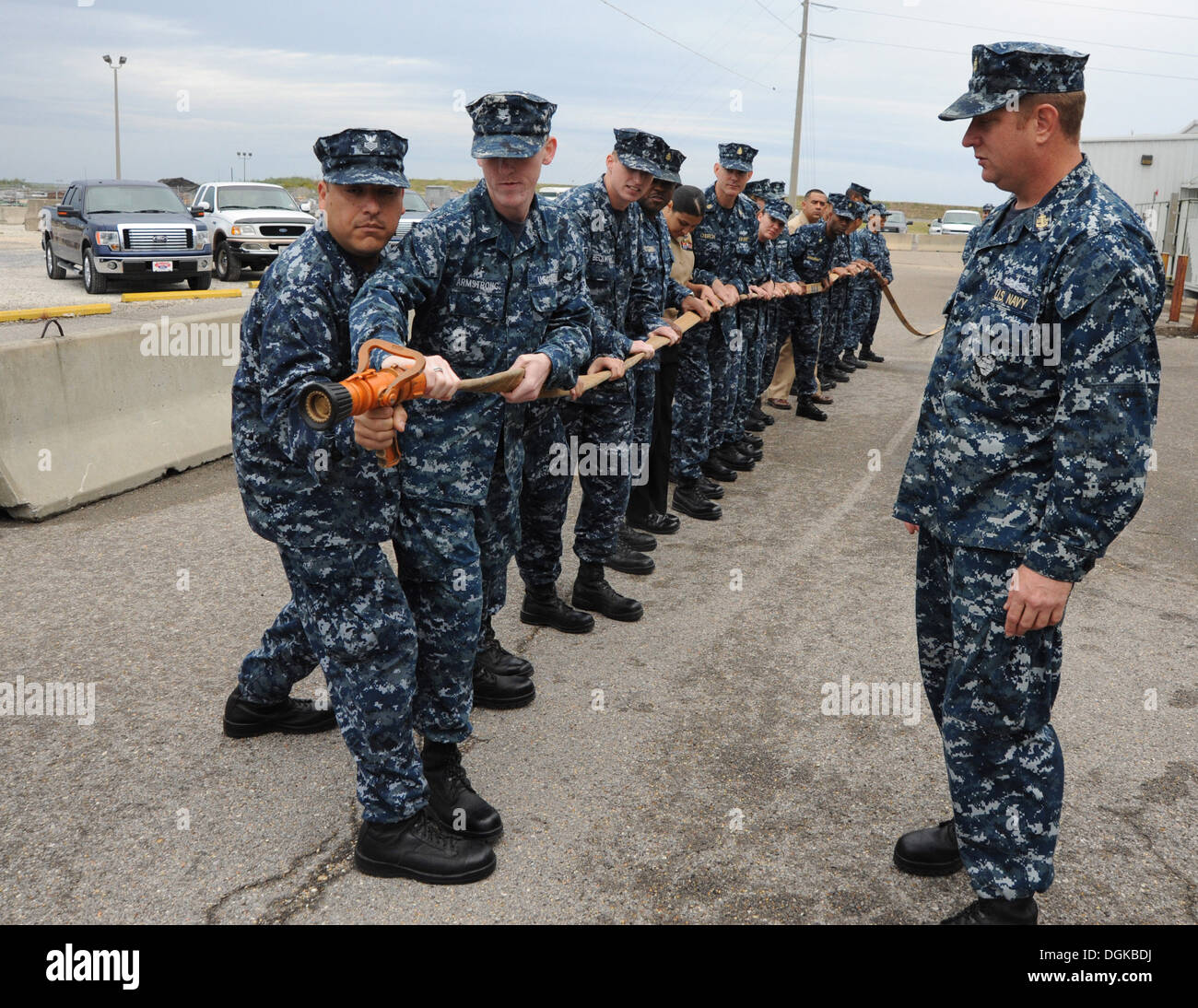 PASCAGOULA, Miss. (Oct. 19, 2013) Chief Damage Controlman Ian Heady, assigned to amphibious assault ship Pre-Commissioning Unit - Stock Image